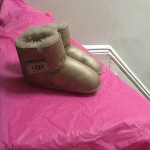 Gold metallic baby uggs booties